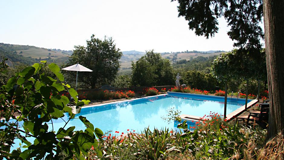 7-pool-aussicht-toskana-le-valli-italien